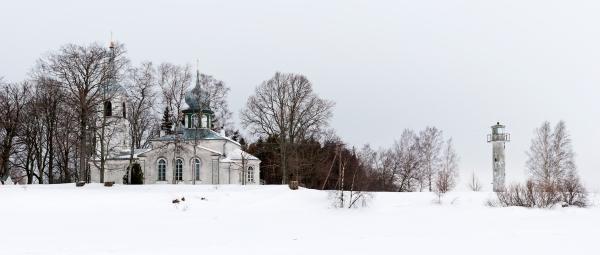 Nina_kirik_ja_tuletorn_vaade_lõunast