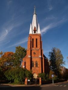 Millised on sobilikud valgusolud ühe pilditegemiseks? Fotol on Tartu Katoliku kirik.