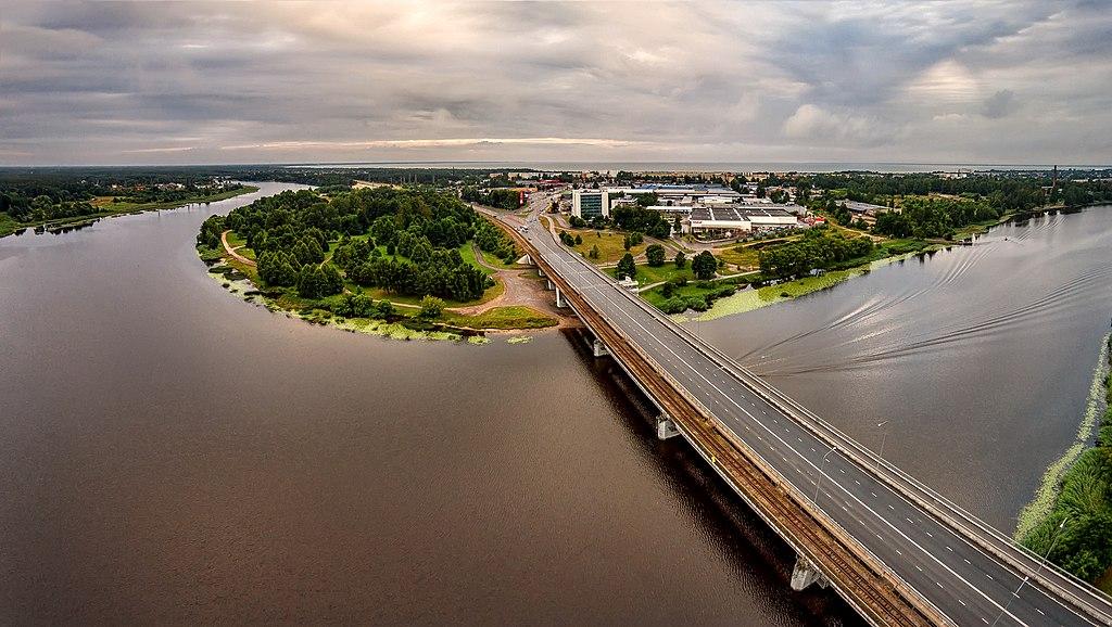 1024px-Pärnu_papiniidu_sild_(2)_copy